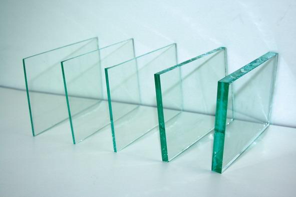 How To Utilize Custom Glass Shelving